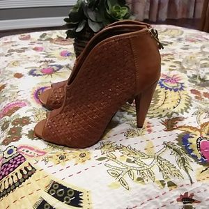 Vince Camuto Brown Booties size 6